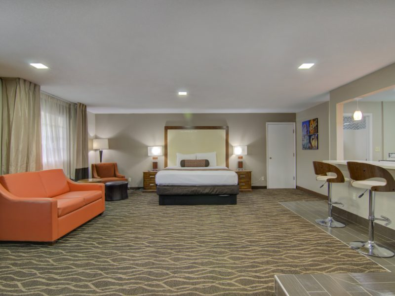 Honeymoon suites in Westbridge Inn & Suites - Centerville Iowa-min