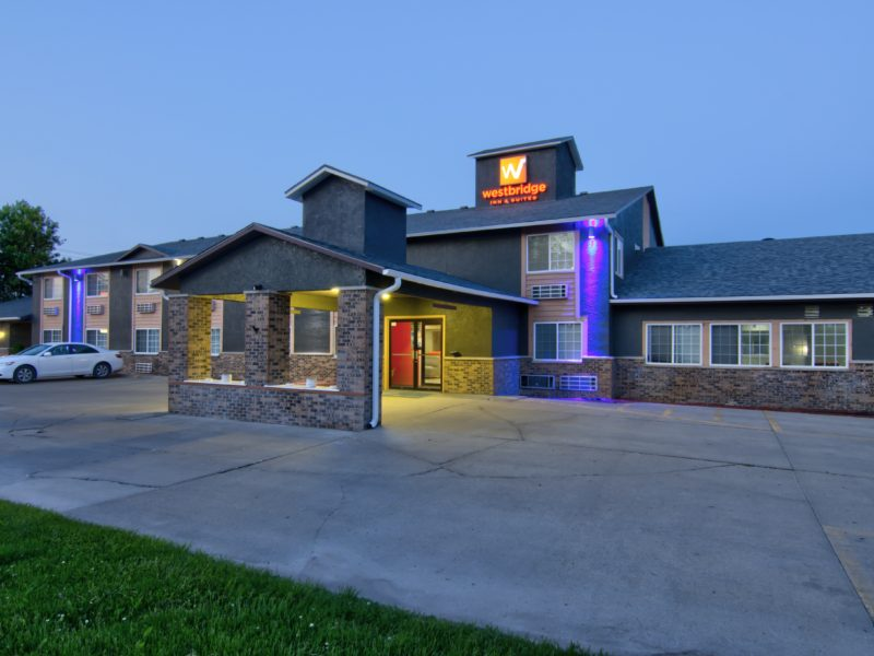 Pet friendly hotel in centerville iowa-min