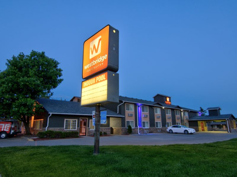 Westbridge inn and suites in Centerville Iowa-min