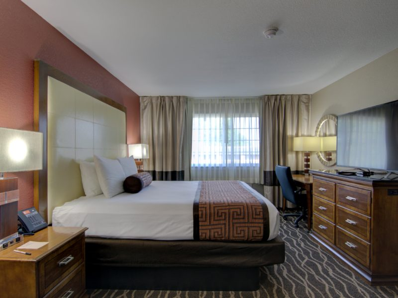 centerville iowa lodging - Westbridge Inn and suites-min