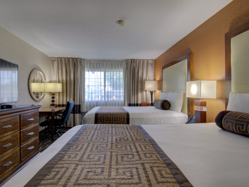 top hotels near centerville iowa-min